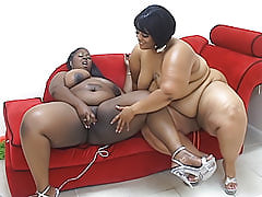 Lesbian BBWs rub their big black bodies